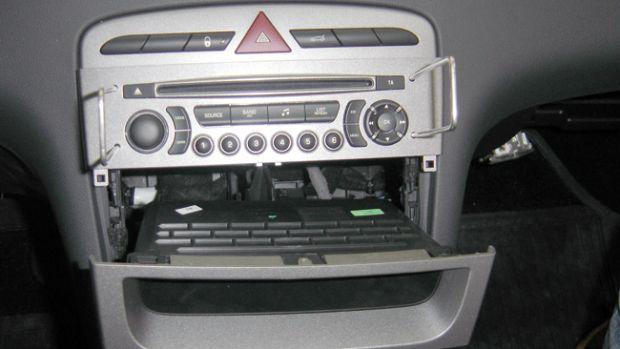 Peugeot 308 - visão frontal do painel central