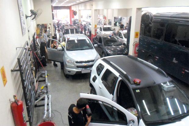 instalação de acessórios em pick-ups e SUVs em loja da av. Duque de Caxias