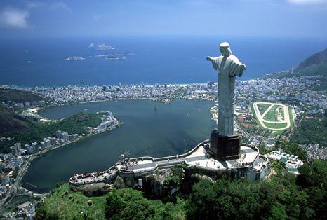 O Rio de Janeiro recebe a AutoMOTIVO