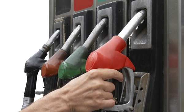 carro-abastecer-alcool-gasolina-combustivel