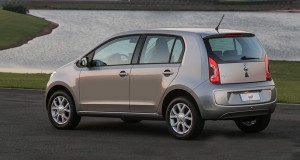 Volkswagen e Kostal fazem parceria e UP! chega ao mercado com acessórios da marca