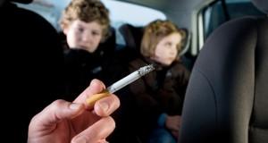 Reino Unido proíbe fumantes em carro com crianças