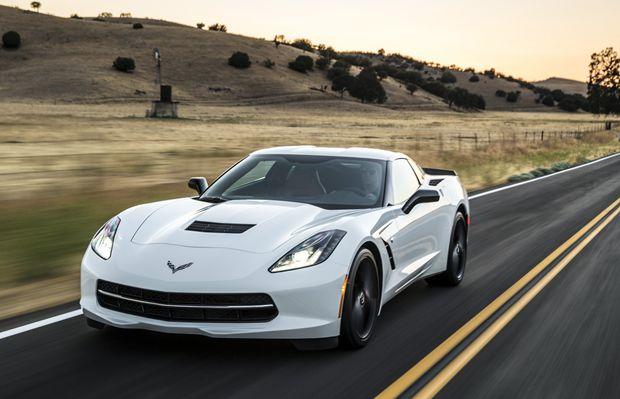Nas estradas a Chevrolet Corvette 2015 fica à vontade