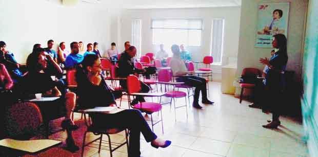 shekparts realiza treinamento de vendas com distribuidora danfab