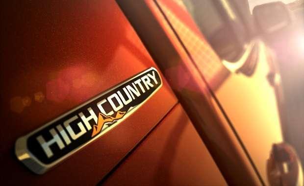 Chevrolet S10_High_Country plaqueta comp