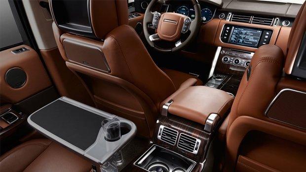 detalhe do interior da Range Rover Autobiography Black