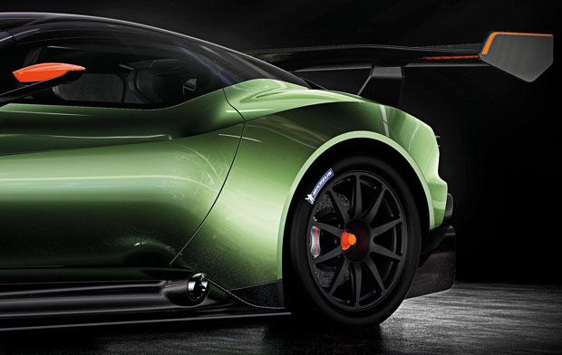 Lateral traseira do Aston Martin Vulcan