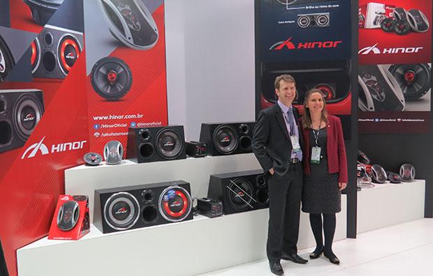 Hinor alto-falantes automotivos na feira Eletrolarshow