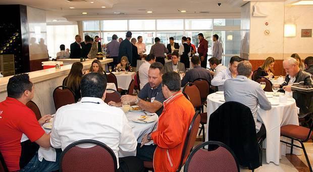 Muitas oportunidades para interação e relacionamento também fizeram parte da programação do 1º Fórum do Mercado de Som e Acessórios, organizado pela revista AutoMOTIVO