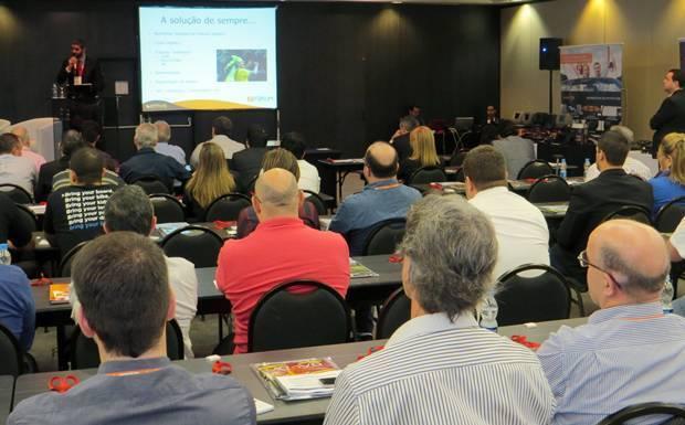 Participantes do 2º Fórum do Mercado de Som e Acessórios Automotivos, realizado pela Revista AutoMOTIVO