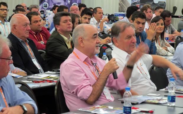 A platéia participou ativamente dos debates durante o 2º Fórum do Mercado de Som e Acessórios Automotivos, realizado pela Revista AutoMOTIVO