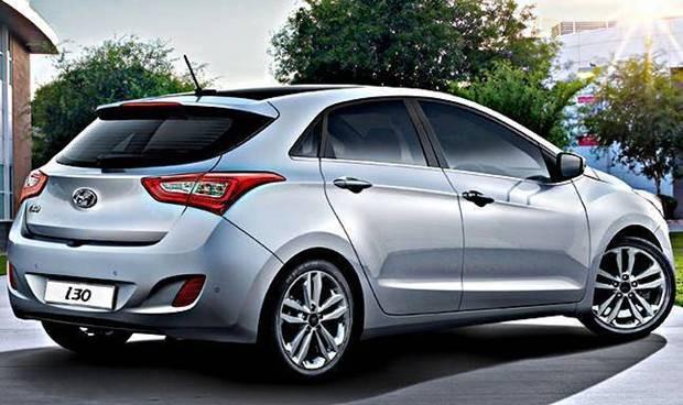 Hyundai New i30 2016 visto de lado
