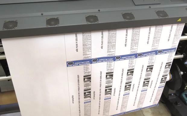 Impressão de embalagens na fabricante de acessórios automotivos NP Adesivos e Resinagem