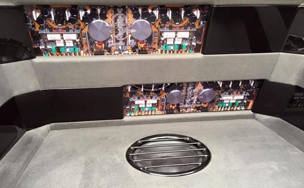 Instalação de audio automotivo de alta qualidade (hi end) - grupo de sm de qualidade