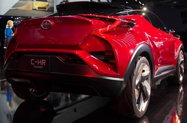 SUV Scion C-HR - traseira - Salão de Los Angeles