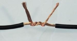 A forma correta de emendar cabos condutores de sinais elétricos