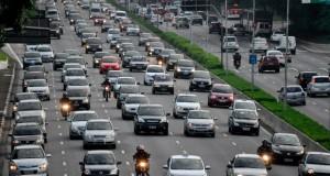 Frota de veículos registrada em SP aumenta 161% em 20 anos