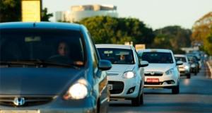 Multas por farol apagado bateram recorde nas estradas