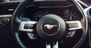 Ford Mustang mostra a evolução dos volantes de direção nos últimos 50 anos
