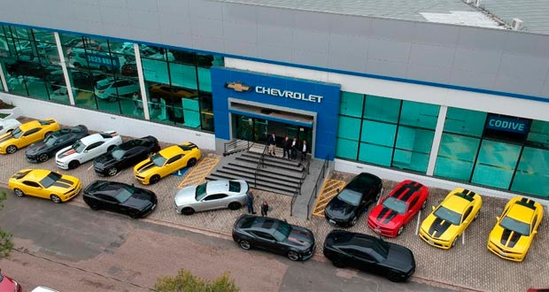 Revista AutoMOTIVO em parceria com Comprecar e Chevrolet, realiza o maior encontro de Camaros que se tem notícia no Brasil