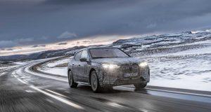 BMW iX é relevado pela primeira vez; SUV virá para o Brasil