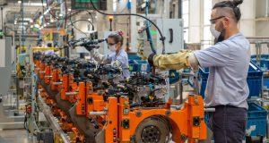 Fábrica da GM alcança recorde de produção de motores